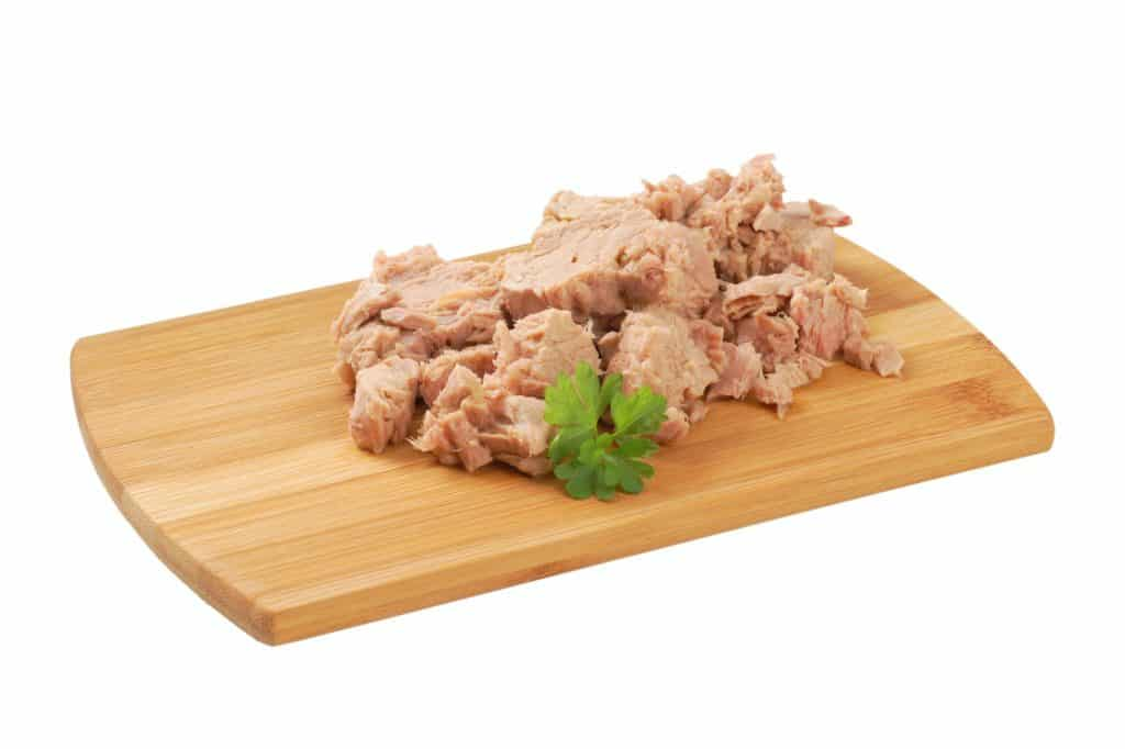 chunks of canned tuna